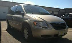 $10,500 2007 Chrysler Town & Country TOURING