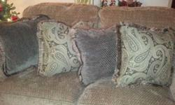 $10 BRAND NEW!!! Couch Pillows (4) (Clarkston)