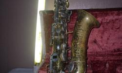$130 Vintage Bundy Selmer Saxaphone with Case
