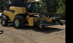 $135,000 2004 New Holland CR960 Combine