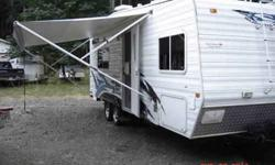 $14,900 2006 Weekend Warrior 25' Super Lite Frt Bdrm Toy