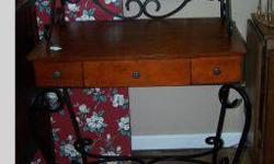 $165 Nice Fancy Desk