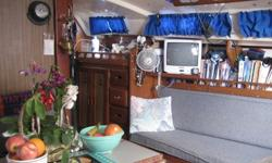$16,000 1975 catalina sailboat