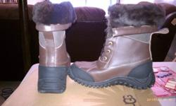 $170 NEW Ugg Snow Boots