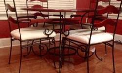 $175 Beautiful solid wood top / iron base table with