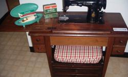 $175 Vintage Singer 201 Sewing Machine + Table