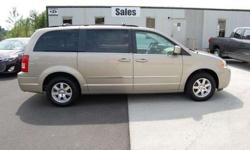 $18,903 2009 Chrysler Town & Country Touring
