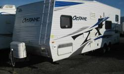 $18,995 2010 Octane ZX T26Y FRONT BEDROOM TOY HAULER WITH