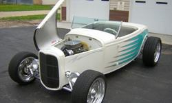 1932 Ford Custom Roadster Convertible Worldwide Delivery