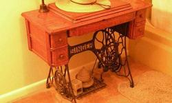 $196 Antique Singer Treadle Tiger Oak Cabinet