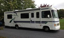 1998 Four Winds Hurricane 30ft