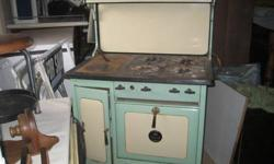 $1,100 Early 1920's Kitchen Stove wood/gas 4 burner