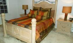 $1,250 Lexington 5 Piece Queen Size Oak Bedroom Set