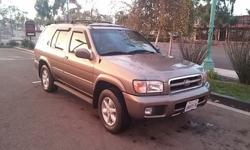 2001 Nissan Pathfinder LE - Low Miles - Fully Loaded