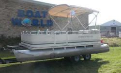 2001 Northwood 1819 Oasis Pontoon & 40HP Mercury Outboard