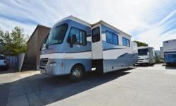 2002 Southwind 36T Class A Motorhome with 2 slides