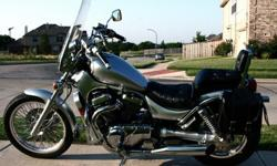 2003 Suzuki Intruder VS 800 GL Motorcycle - Silver Chrome
