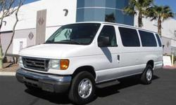 2004 Ford Econoline Wagon E-350 Super Ext XL