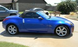 2004 Nissan 350Z Kindly text me at 208-557-39-2.6
