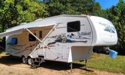 ,,'2005 ..31ft. WILDCAT /5th wheel camper