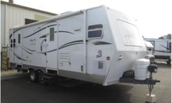 2005 Arctic Fox Silver Fox Edition 26ft
