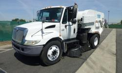 2005 International 4200 Tymco 600 BAH Regenerative Air