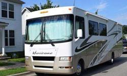 2007 Four Winds Hurricane 34B Bunk House