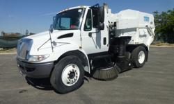 2007 International 4200 Tymco 600 BAH Regenerative Air