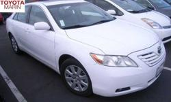 2007 Toyota Camry XLE V6 W/ LEATHER & MOONROOF..ONE OWNER