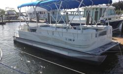 ?2008 22ft Bentlly pontoon boat with 60hp mercury 4 stroke?