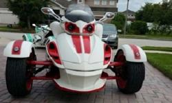 ??2008 Custom white and red Can-am Spyder Ready ?