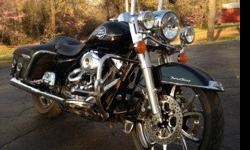 Harley-Davidson: 2008 RoadKing Classic w/9200 miles