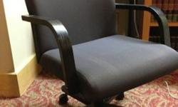 $200 4 Steelcase Conference Chairs