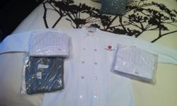 $200 Baker College 7 Chef Coats Size L, 1 Pant, 13 Hats NEW