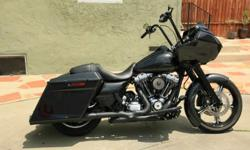 2011 Custom Harley Davidson Road Glide with 900 Miles
