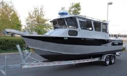 � � 2013 Hewes 260 Pacific Explorer� �