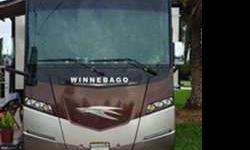 2014 Winnebago Journey 42E (in FL)