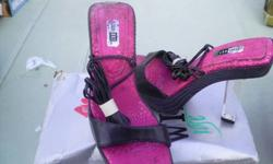 $20 Brand New Lady's Black Strap up Sandals
