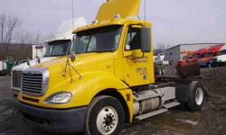 $21,900 2006 FREIGHTLINER COLUMBIA Single Axle Daycab