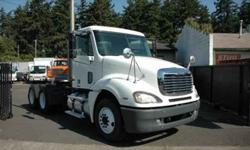 $24,500 Used 2003 freightliner day cab tractor tandem for