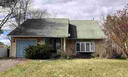 24 Peachton Ln Sicklerville, Four BR 1 1/Two BA home with
