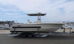 24' Pursuit 2470 Center Console 2002 For Sale