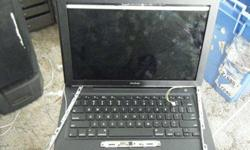 $250 MacBook 13.3 A1181 Black works great but has cracked