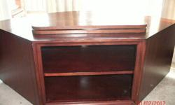 $250 Preowned Pottery Barn TV Console Media Stand W Swivel-