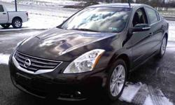 $25,000 2012 Nissan Altima 3.5 SR Sedan 4D