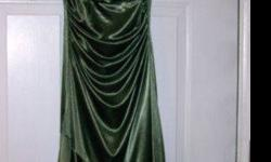 $25 Dark Green Jodi Kristopher Prom Dress (provo)