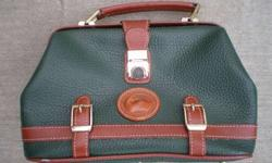 $25 Leather Dooney & Bourke Purse ---A Great Deal!!!