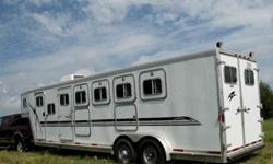 $26,000 5 Horse LQ Exiss with Large Mangers