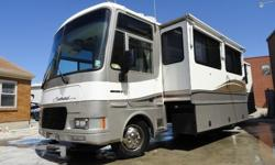 $26,500 99 Southwind 32V With Slide ( This one you don't