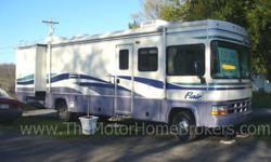 $27,900 2001 Fleetwood Flair 33' w/2 Slide-Outs
